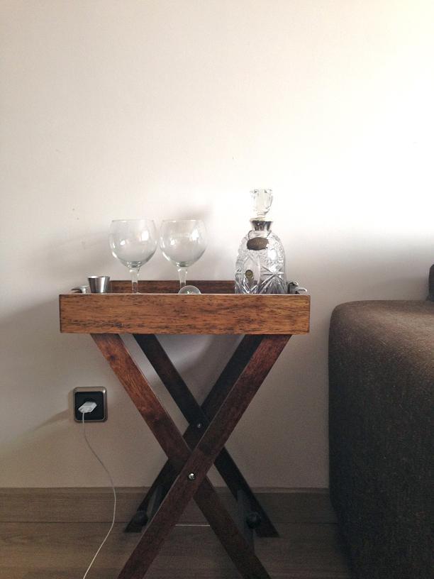 שולחן משקאות