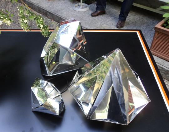 מנורת יהלום תקריב